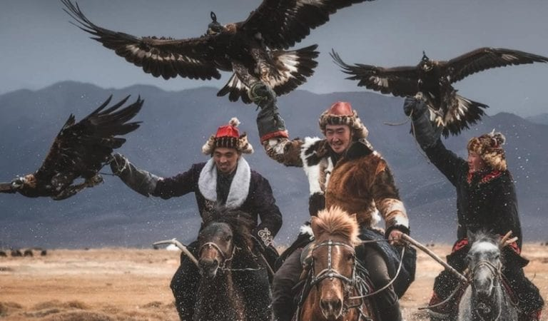 Mongolian Eagle Keepers & Their Big Birds Are Photographed By This Pro & After Chasing Them in Deserts